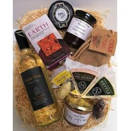 cheese shop favourite hamper (4).jpg